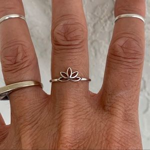 e73305b1358892 Jewelry - 🌸🌸NEW🌸🌸 Sterling Silver Tiny Lotus Flower Ring
